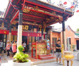penang van rental - snake temple (5)